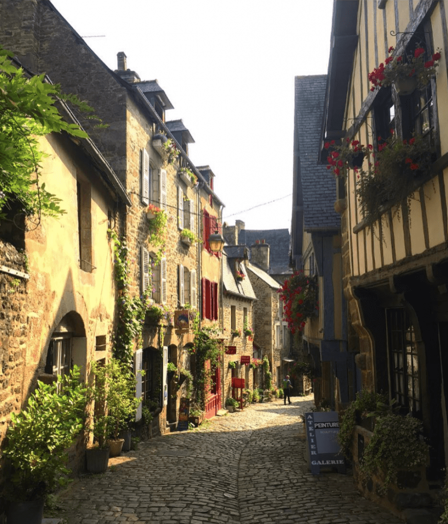 Dinan, A Quanit Medieval Town In Brittany - The rue du Jerzual Street