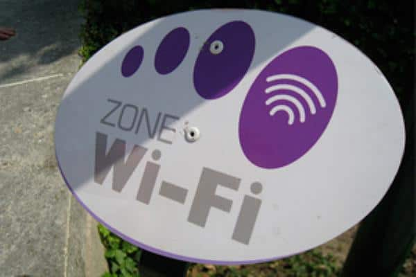 Rent A Cell Phone In France - Free Wifi Zones In Paris