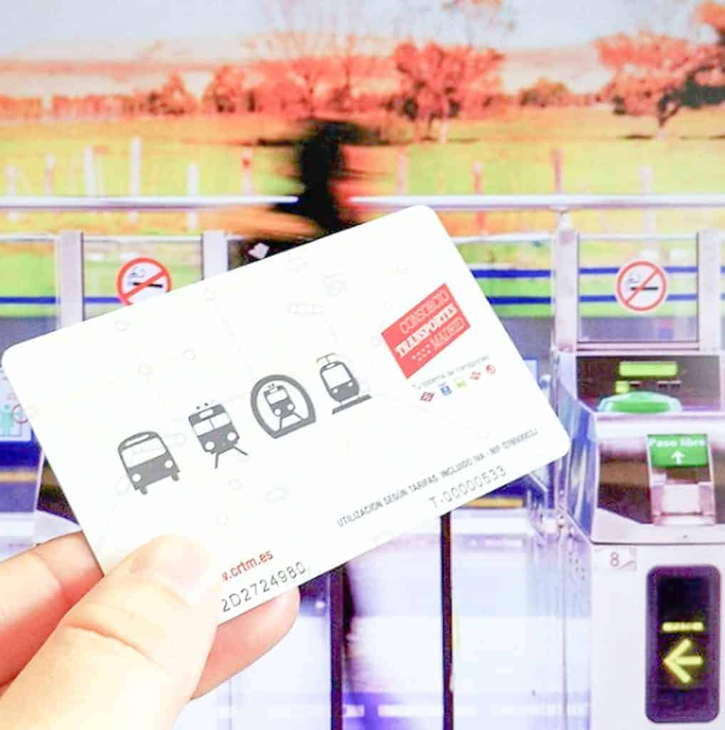 Public Transportation In Madrid - Buying Metro Ticket