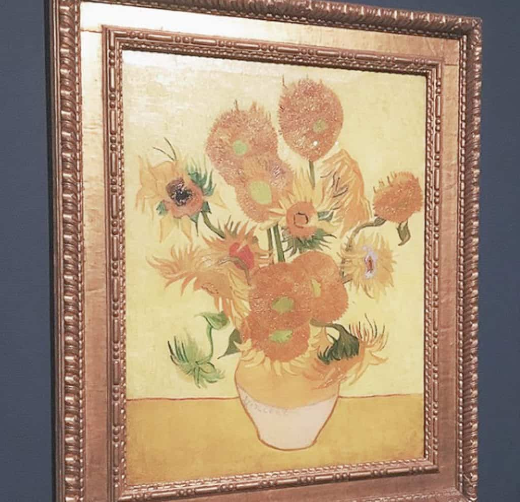 Van Gogh Museum - Sunflower's Painting
