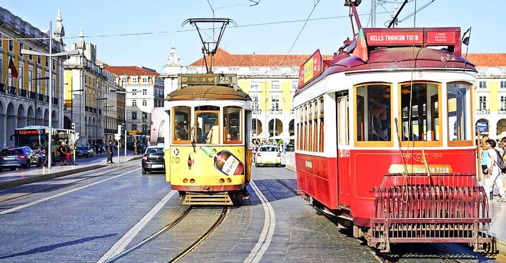 Public Transportation In Lisbon - Bus & Tram