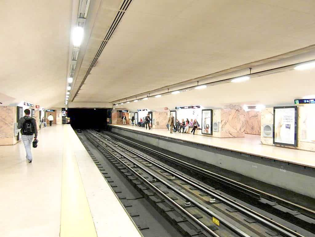 Public Transportation In Lisbon - Lisbon Metro Operating Hours
