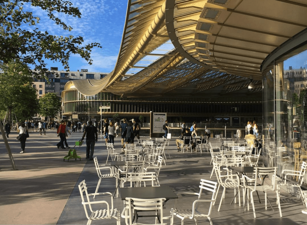 View of forum des halles shopping mall paris