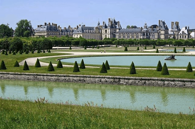 What To Do In Paris On Sunday - Escaping The City