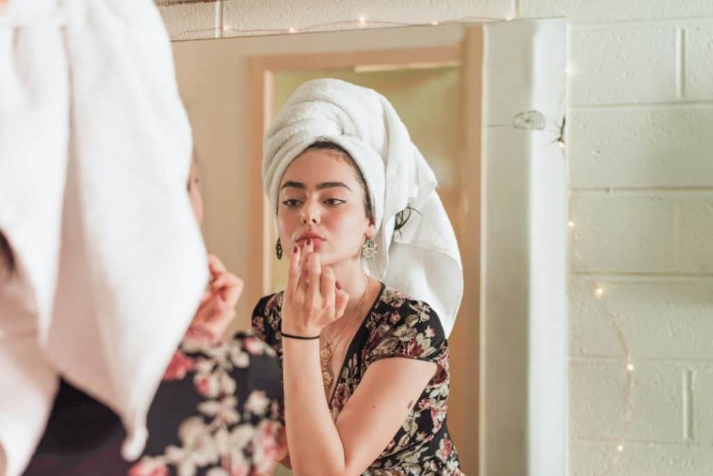French Beauty Routine: Parisians Beauty Secret - Tips For The French Beauty Routine