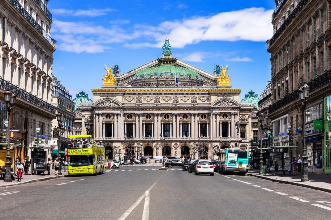 INSIDR Hacks For Paris Shopping Trip - Stay In Paris For Shopping Trip