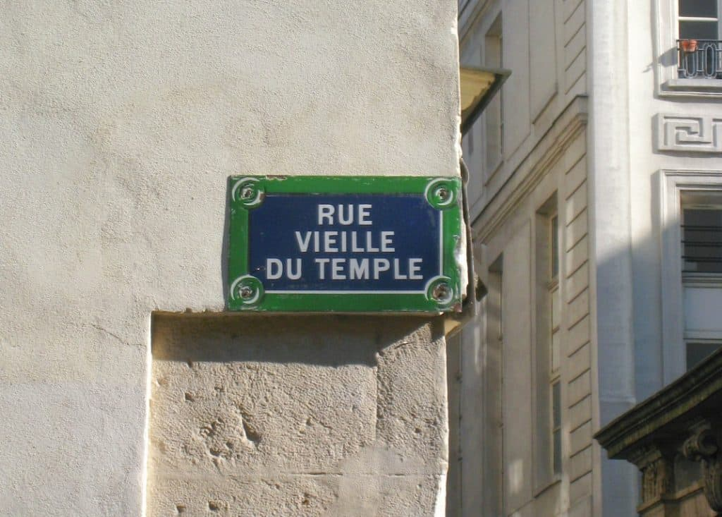 INSIDR Guide To Paris Fashion Week - Rue Vieille Du Temple
