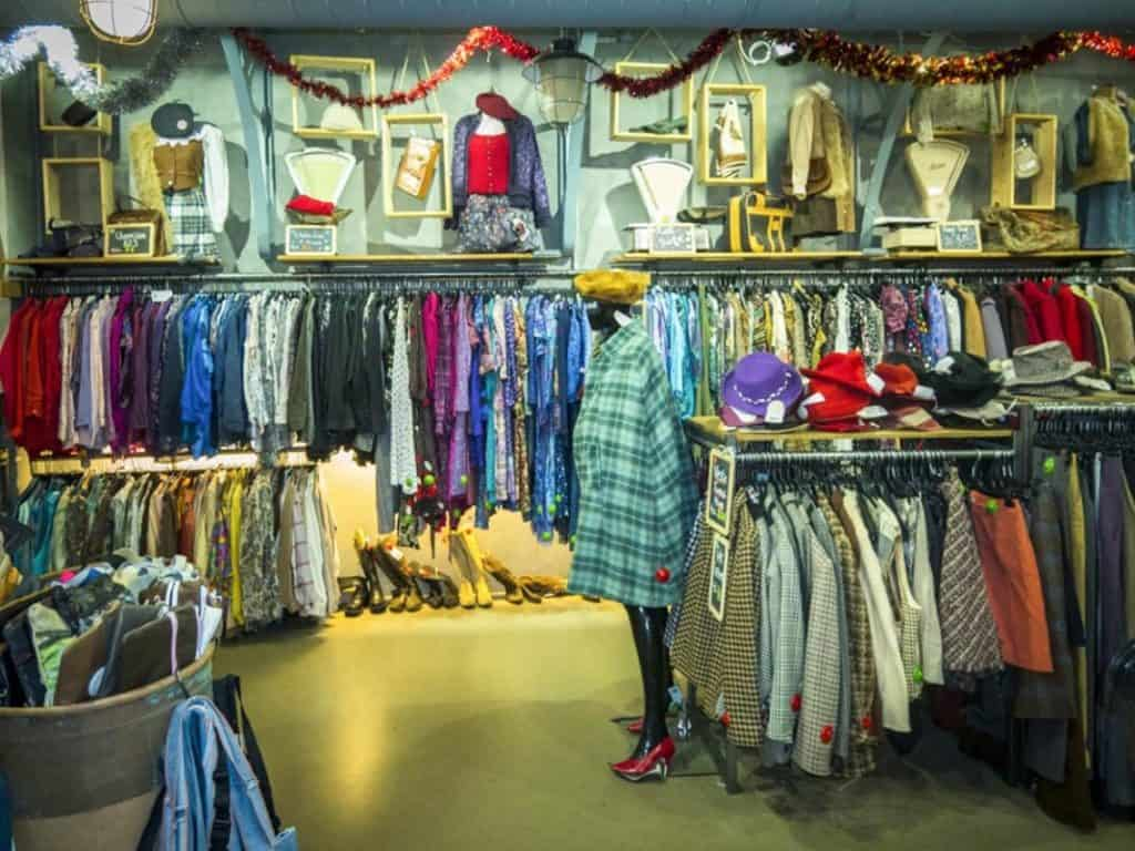 INSIDR Hacks For Paris Shopping Trip - Vintage / Outlet shopping in Paris