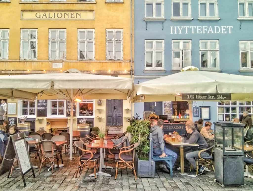 Nyhavn - HE CAFÉS AND RESTAURANTS