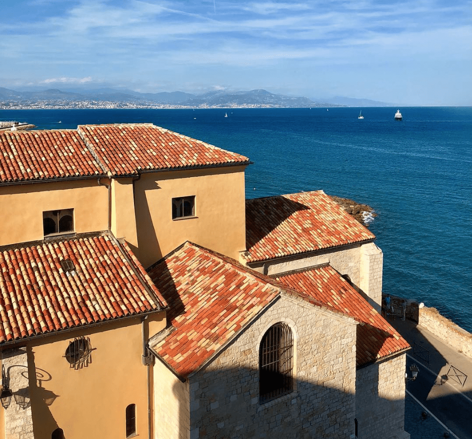 8 Must Visit Towns In Southern France - Antibes