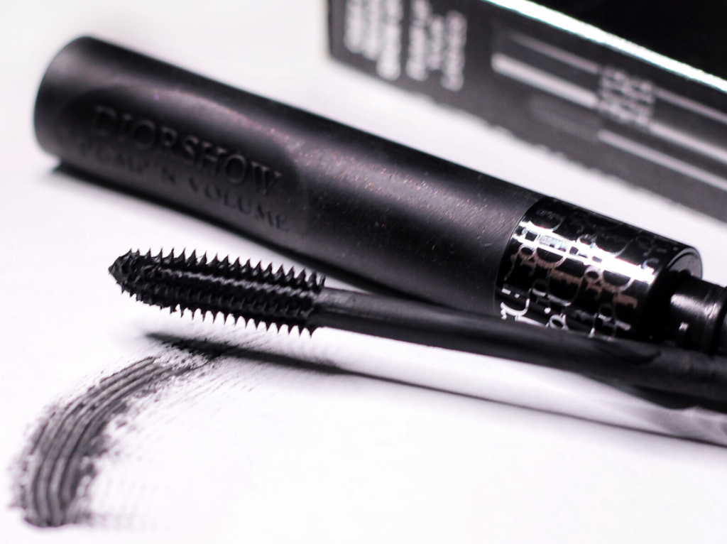 a close up of Diorshow mascara