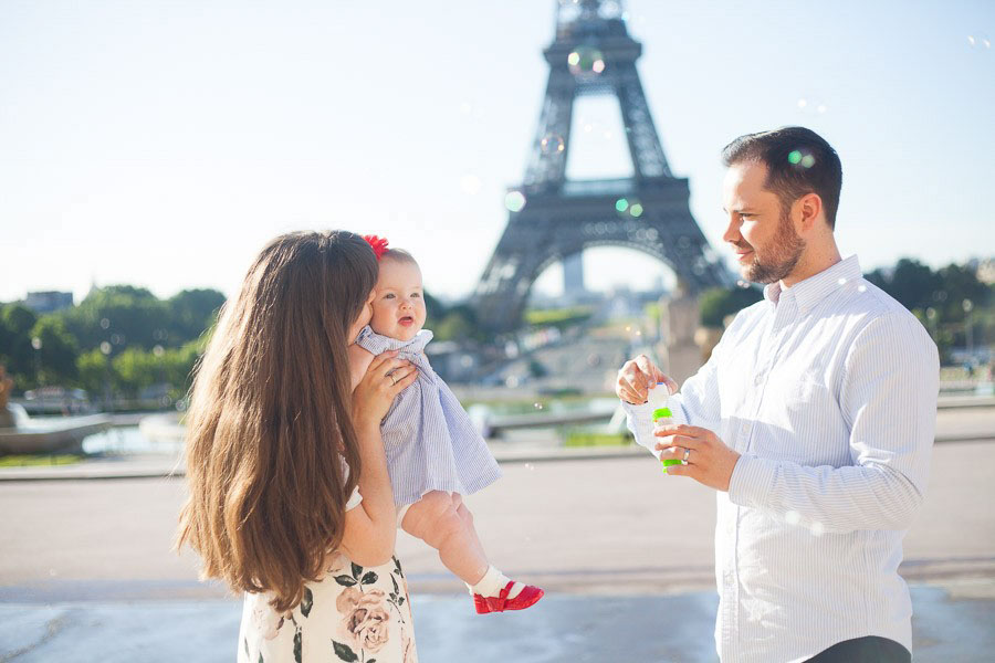 family photoshoot in Paris
