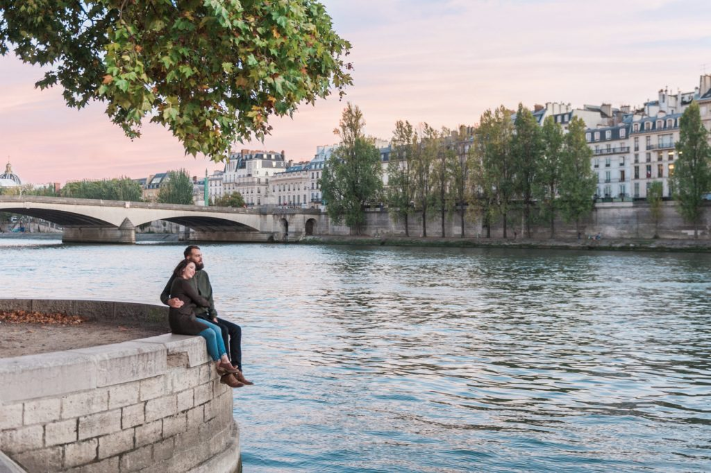 A romantic photo shoot in Paris