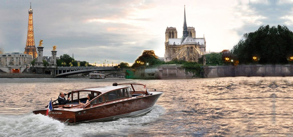 A romantic boat cruise for hire in Paris