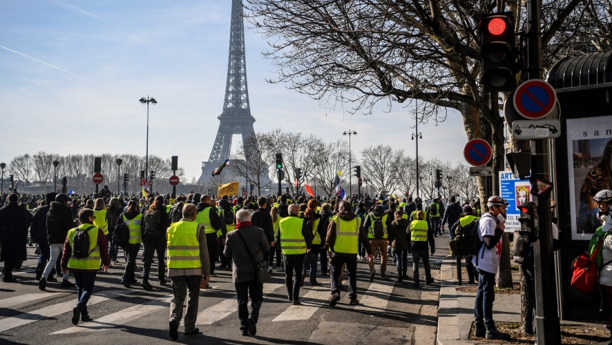 Yellow Vest protesters at the Eiffel Tower