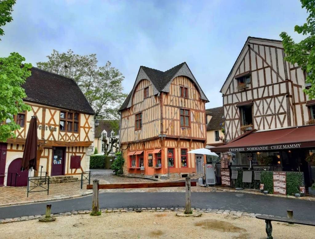 the town center of Provins