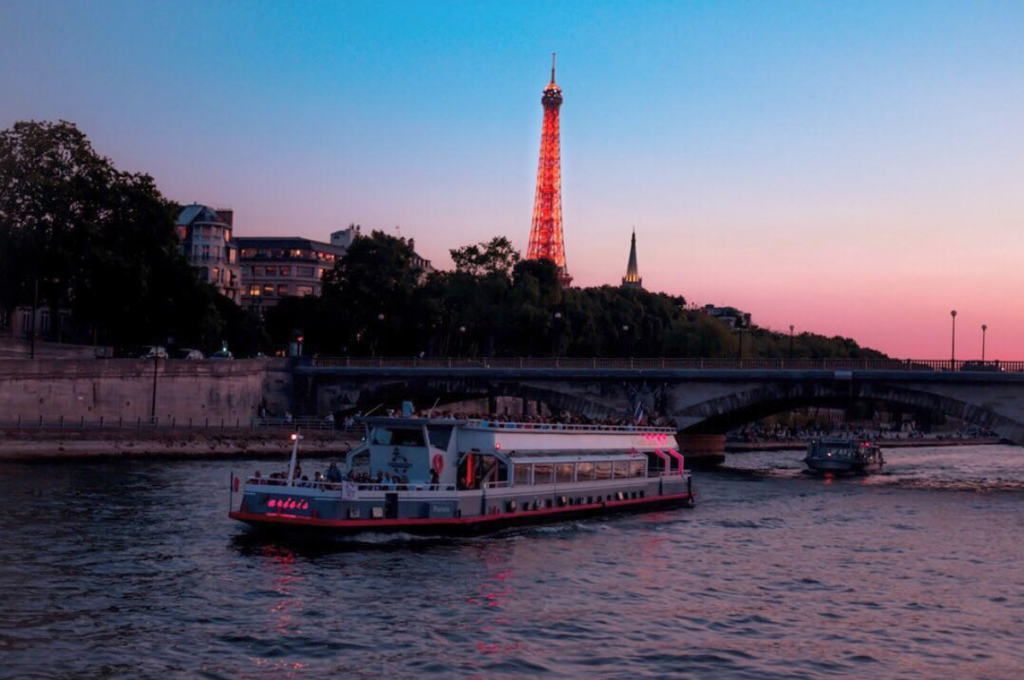 Evening river cruise on the Seine