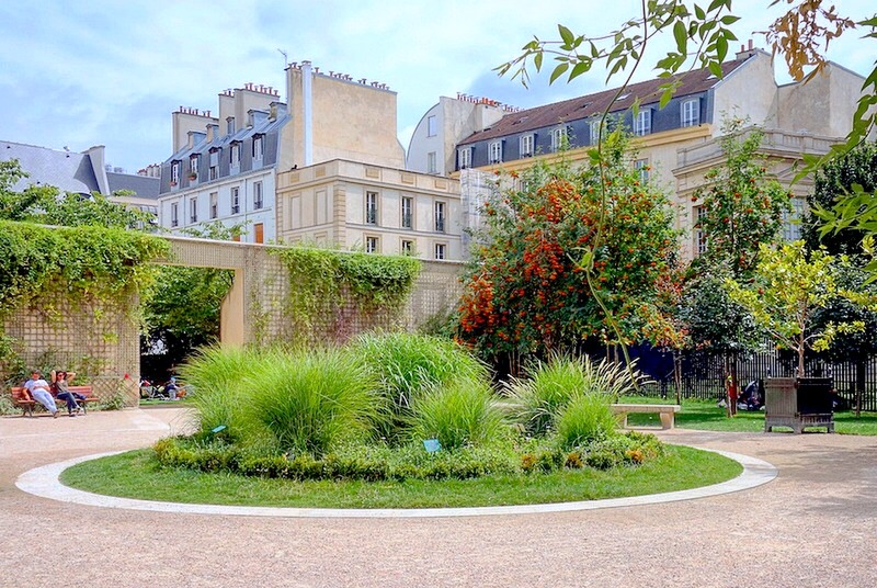 the surroundings of Jardin Anne Frank in Le Marais