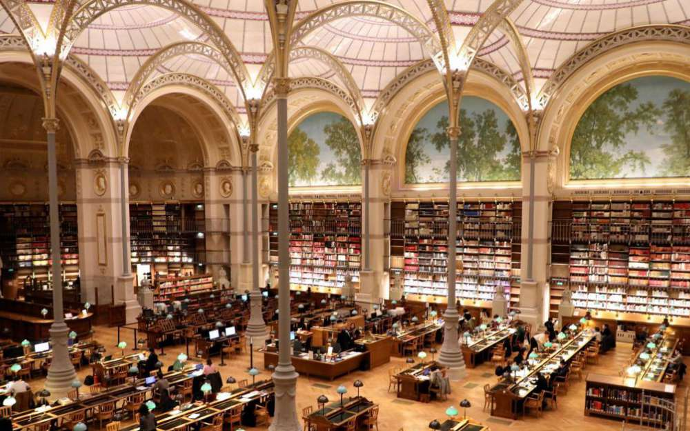 the architecture inside Bibliotheque Saint-Genevieve