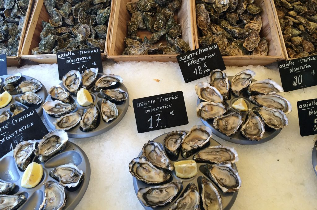 the oysters at Marche Bastille