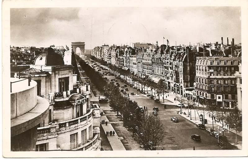 Sepia photo of Champs Elysees