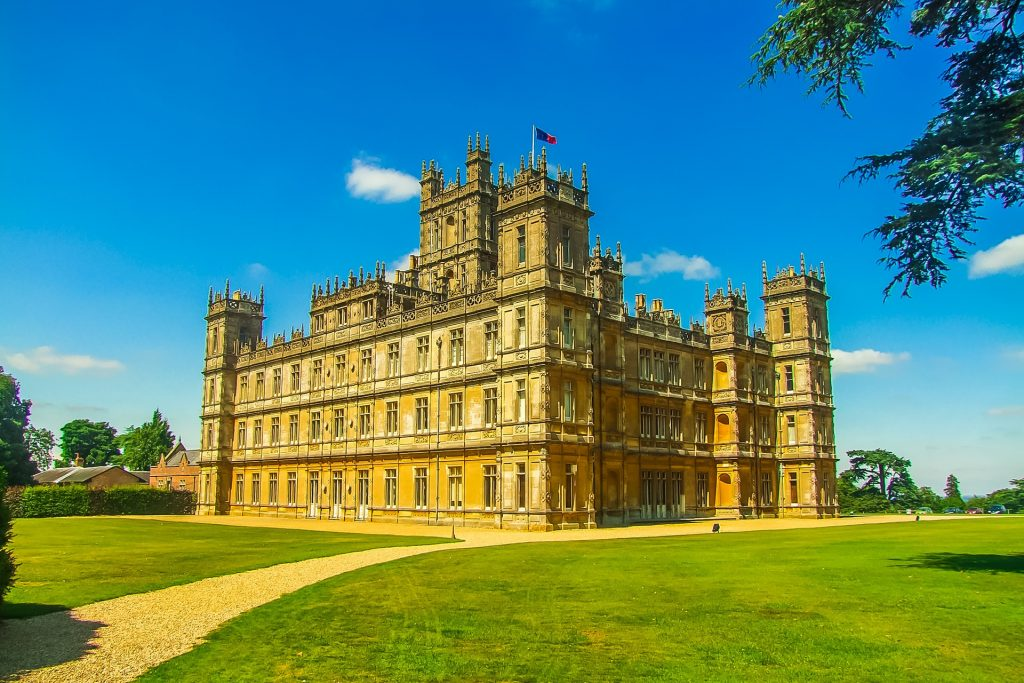 Downton Abbey filming location: Highclere Castle