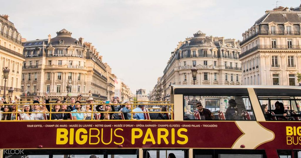 best view of Eiffel Tower from Big Bus Paris