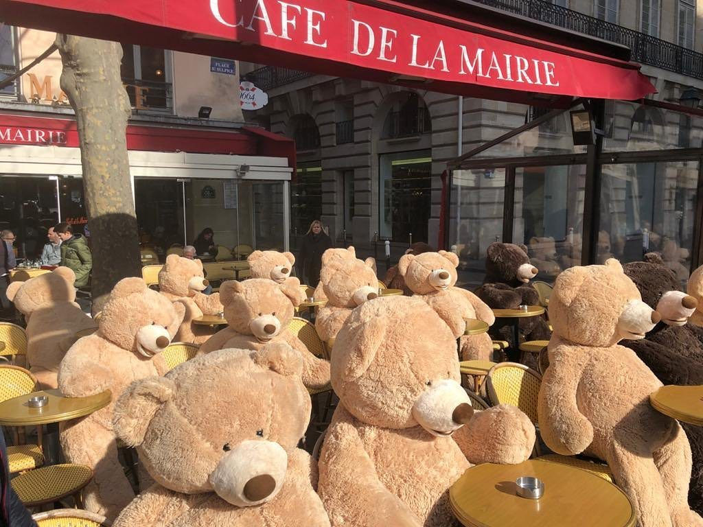 Teddy Bears roam the streets of Paris during Covid-19
